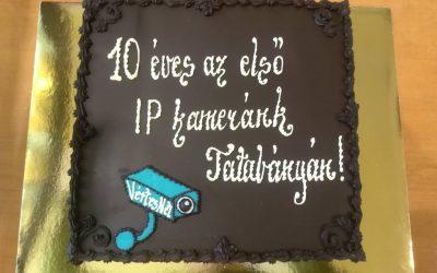 Az első 10 év – közös meglepetés ünneplése csokitortával!